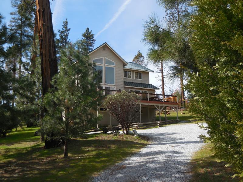 Yosemite lodging yosemite national park yosemite park for Yosemite vacation cabins
